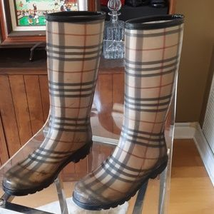 Burberry Shoes - BURBERRY RUBBER BOOTS 7